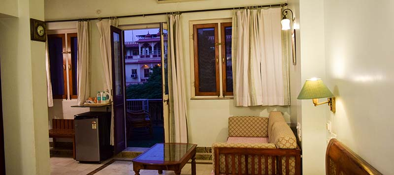 AryaNiwas-deluxe room with balcony