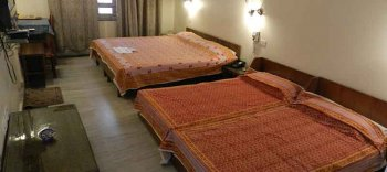 Tara Niwas Deluxe Four Bedded Room 2