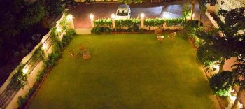 AryaNiwas-new wing garden bird eye view
